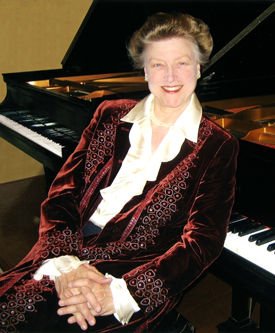 Portrait of Louise Barfield, International Concert Pianist